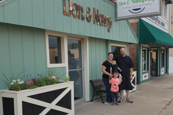 Don & Nancy's Cafe - Canton, IL