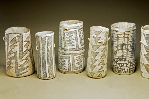 Chaco Canyon's black-and-white cylindrical vases