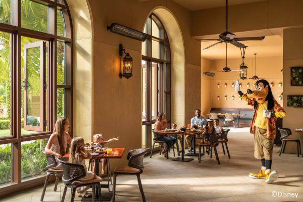 Four Seasons Resort Orlando at Walt Disney World® Resort Goofy and family at Ravello
