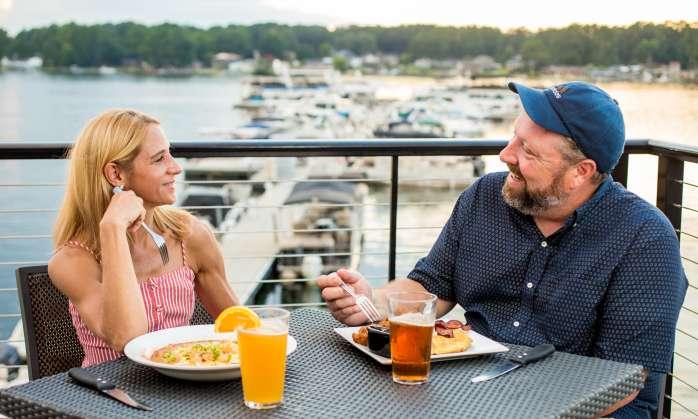 Couple eating at Liberty on the Lake