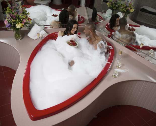 Heart Shaped Tubs Paradise Stream Resort Cove Haven Resort