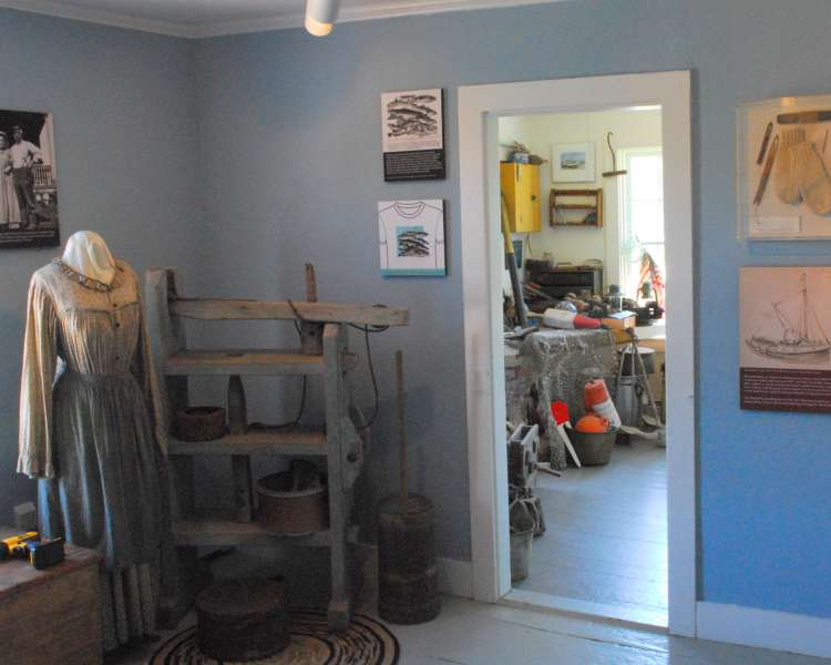 Museum featuring regional artifacts; Block Island Historical Society headquarters.