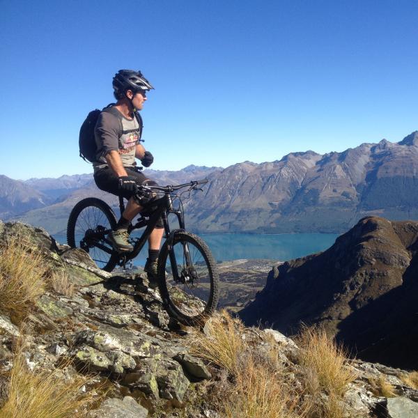 Heli Biking with Mountainhut.nz