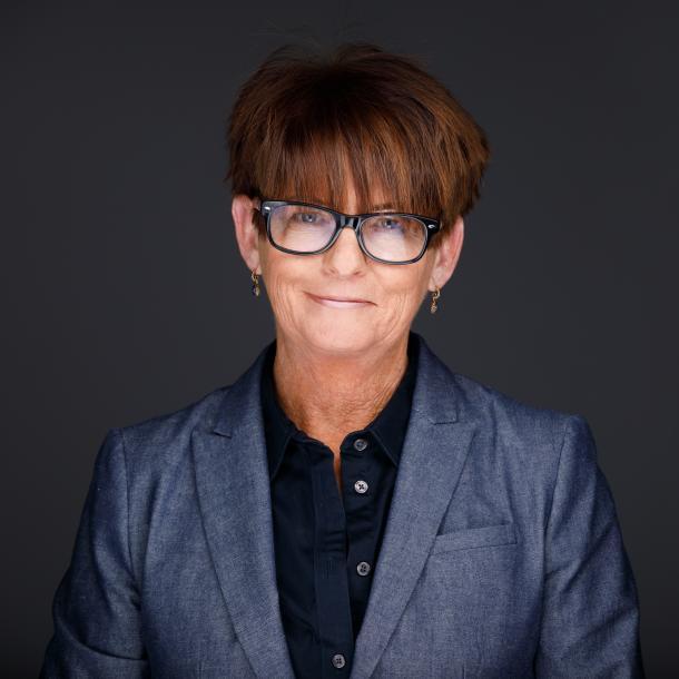 Photo of Julie Rhoads