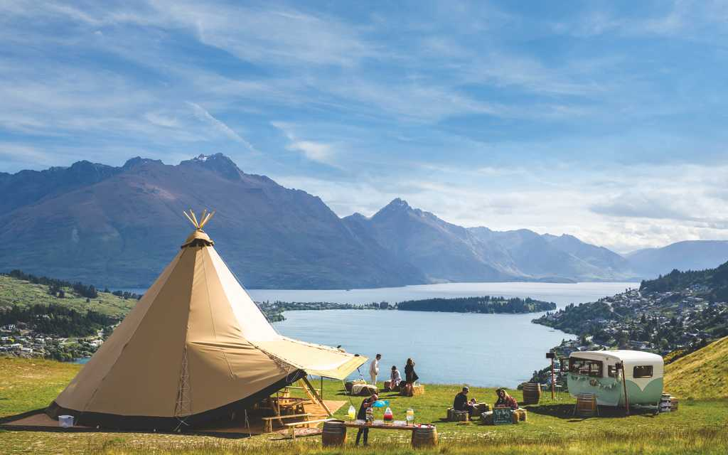 NZ High Country Venue with View on Lake Wakatipu