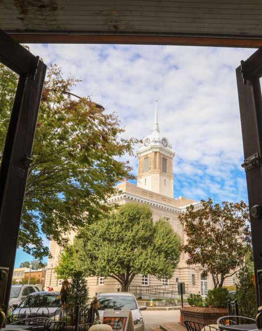 Courthouse View from Puckett's