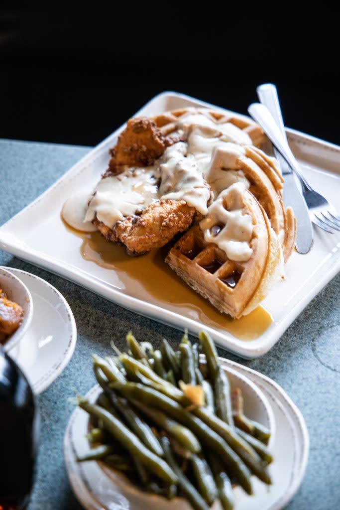 Willy's Kitchen chicken-n-waffles