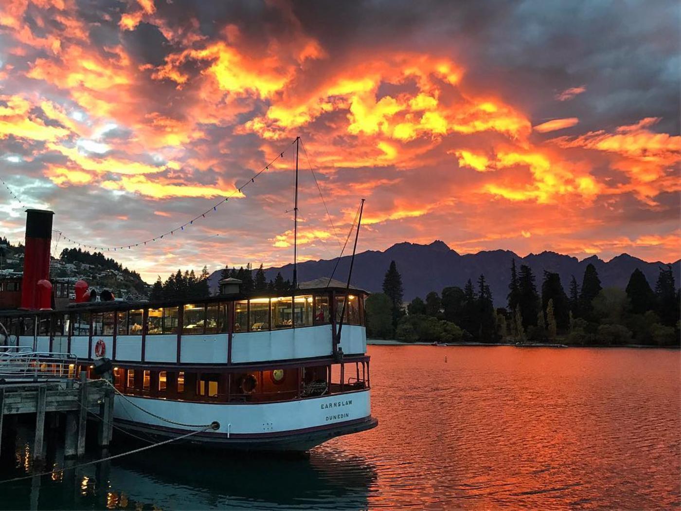 Queenstown sunset from lake esplanade