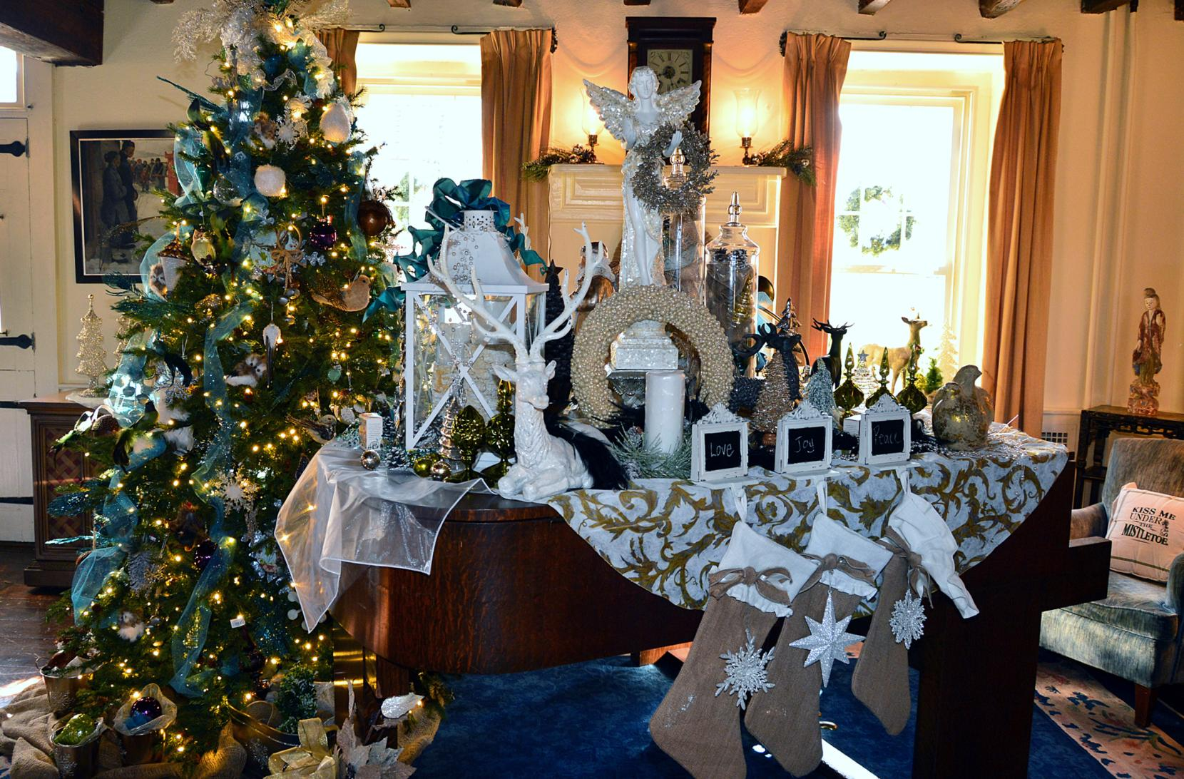 Holiday Decor Tours