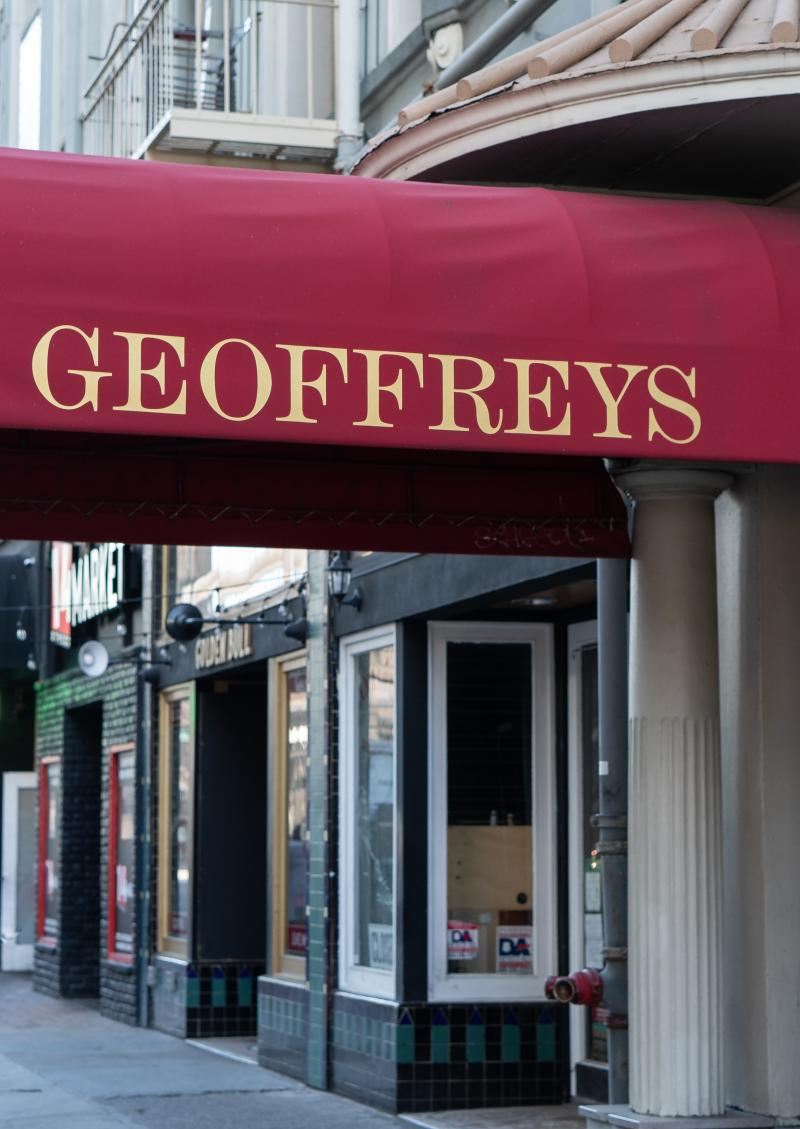 Geoffreys Inner Circle Entrance