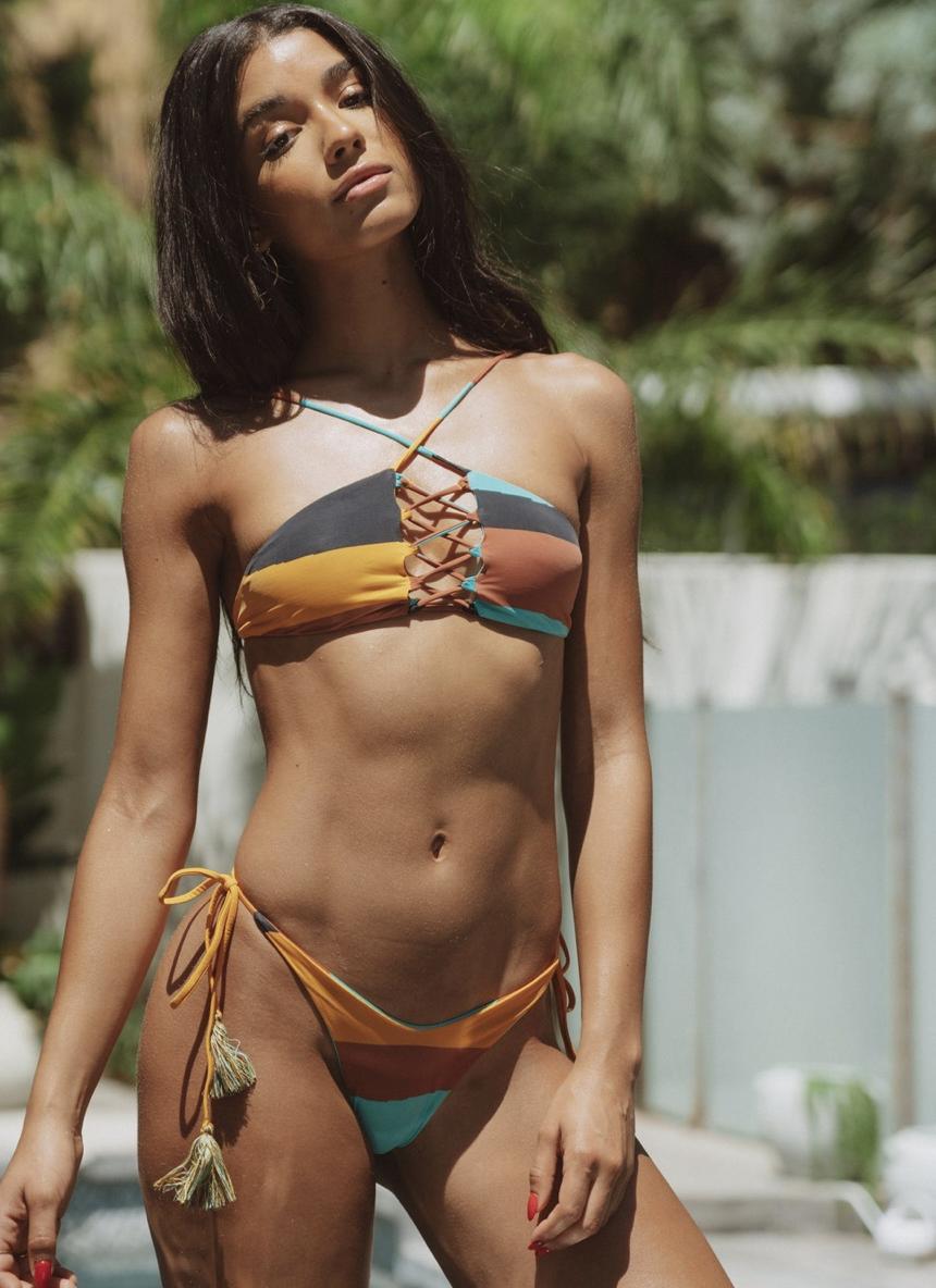 San Lorenzo Bikinis. Picture of a women in a bikini
