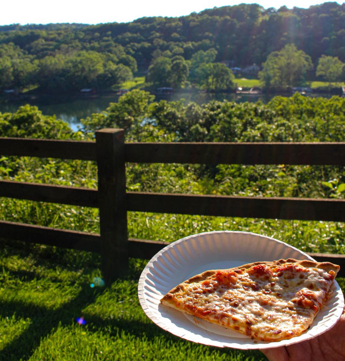 Sycamore Creek Pizza Night in Branson Missouri