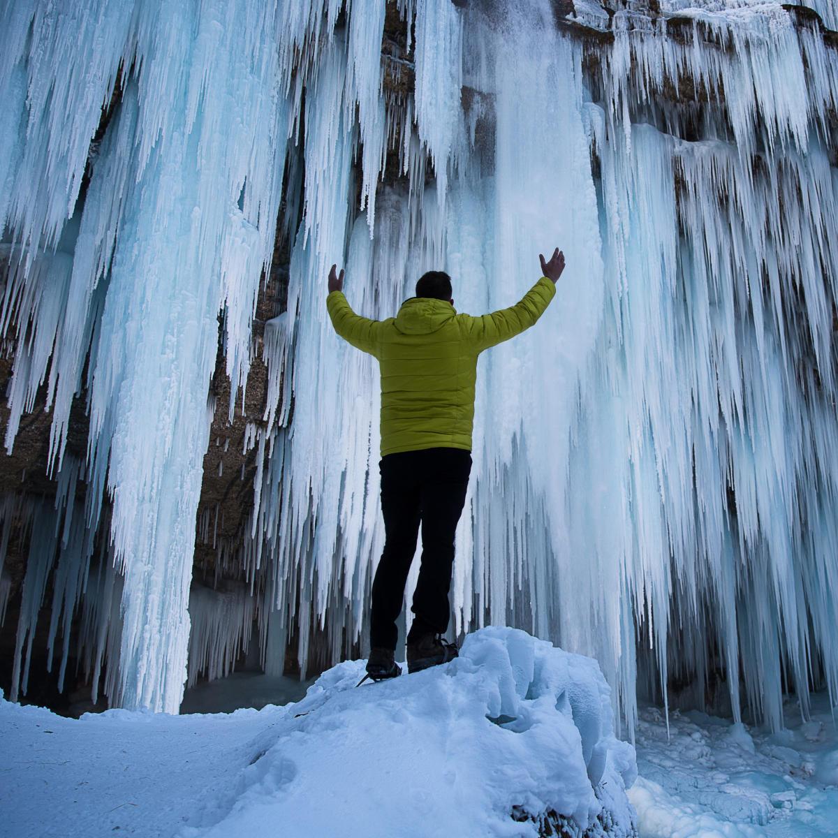 Cascade Creek Canyon Waterfall Hike in Winter