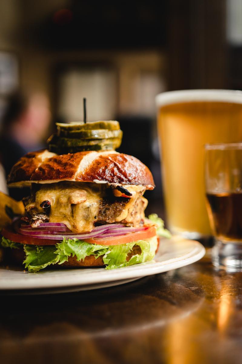 de Vere's Irish Pub Burger