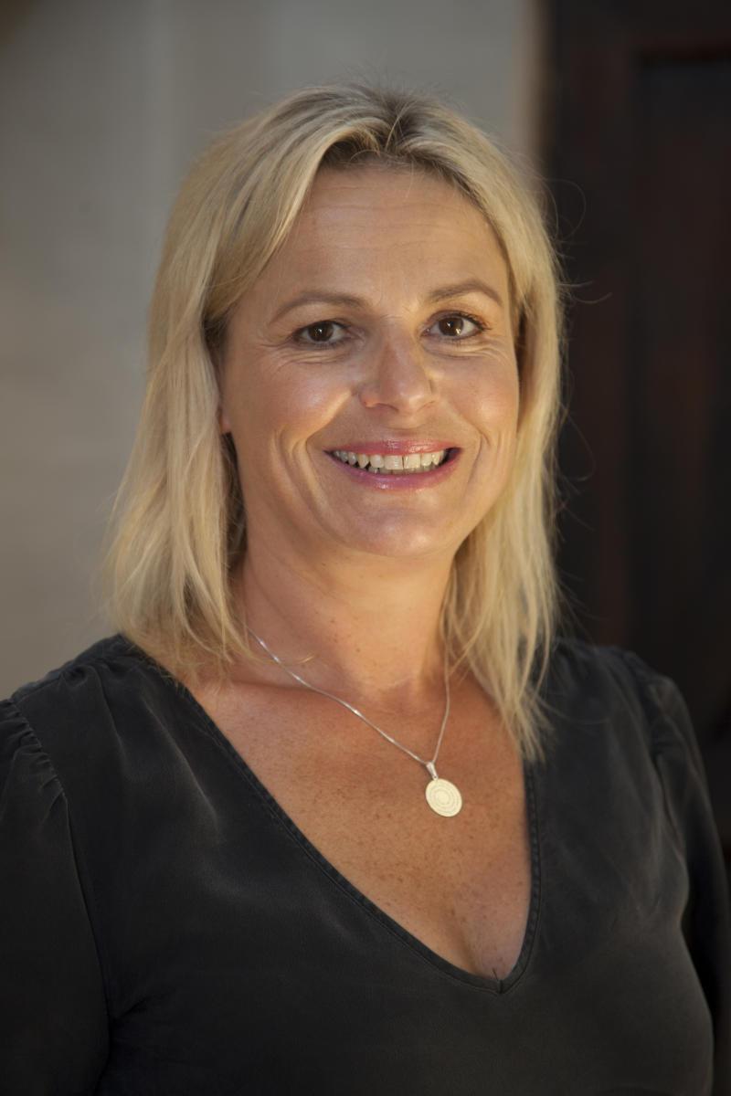 Fiona Stevens, MajorDomo