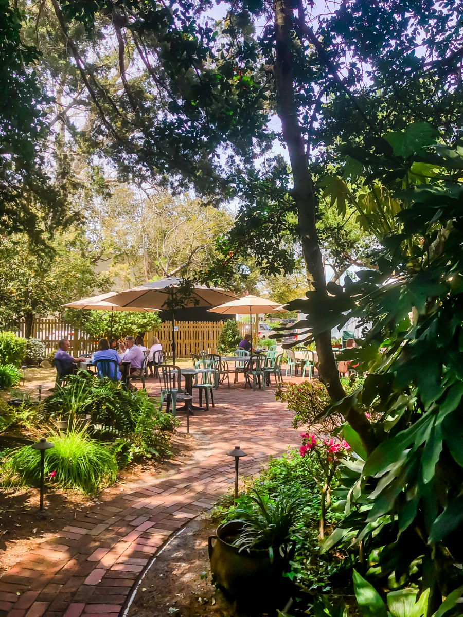 Outdoor dining on the Beaufort Grocery Co. patio