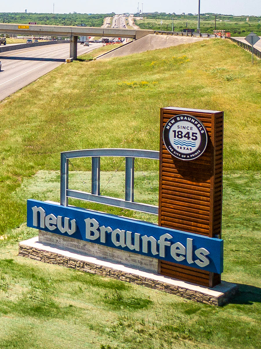 New Braunfels Highway Sign