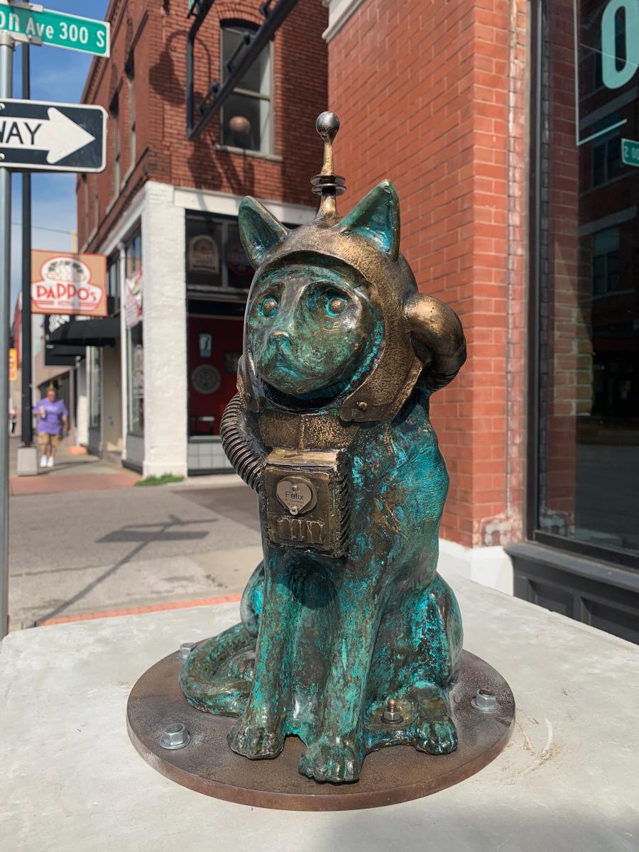 Space Cat - Felix sculpture