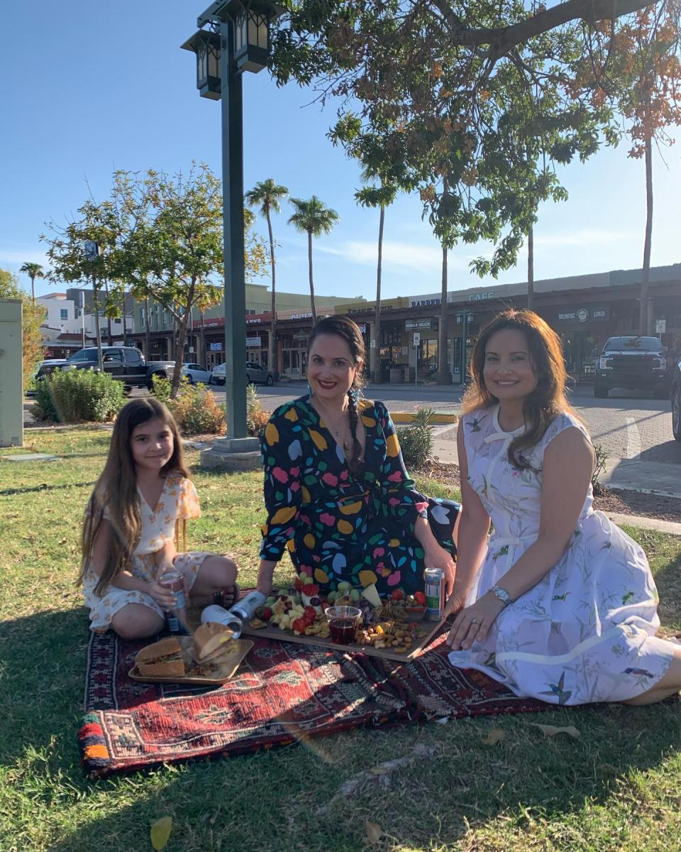 Dine in the Park with Mingle & Graze