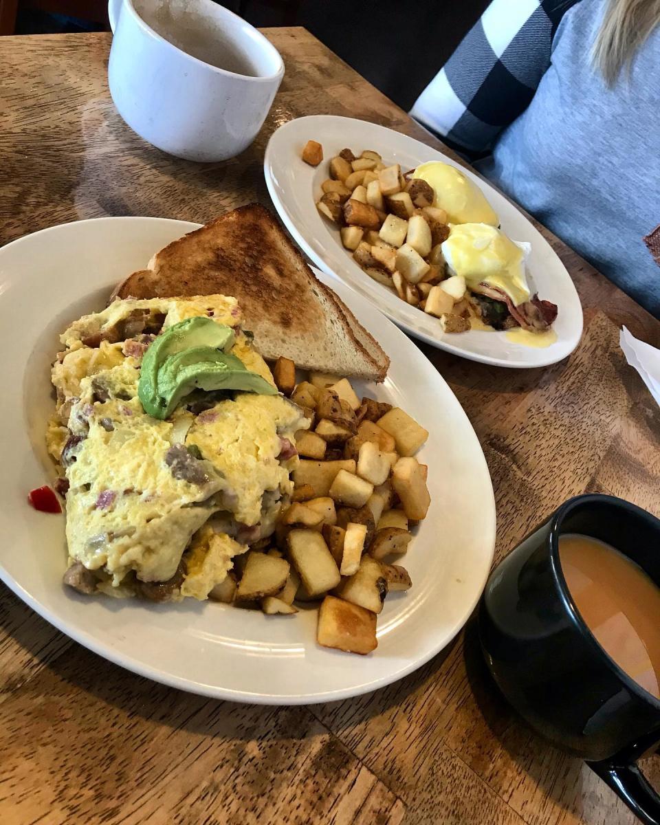 breakfast at BeanBath Cafe