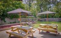 Johnny'Z Pour House Backyard patio tables