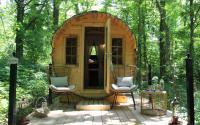 Rue Claire Round Cabin in the Woods
