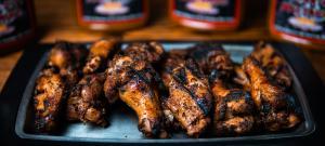 Redd's BBQ smoked wings