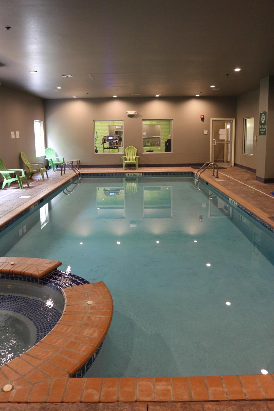La Quinta Hotel Pool Madison