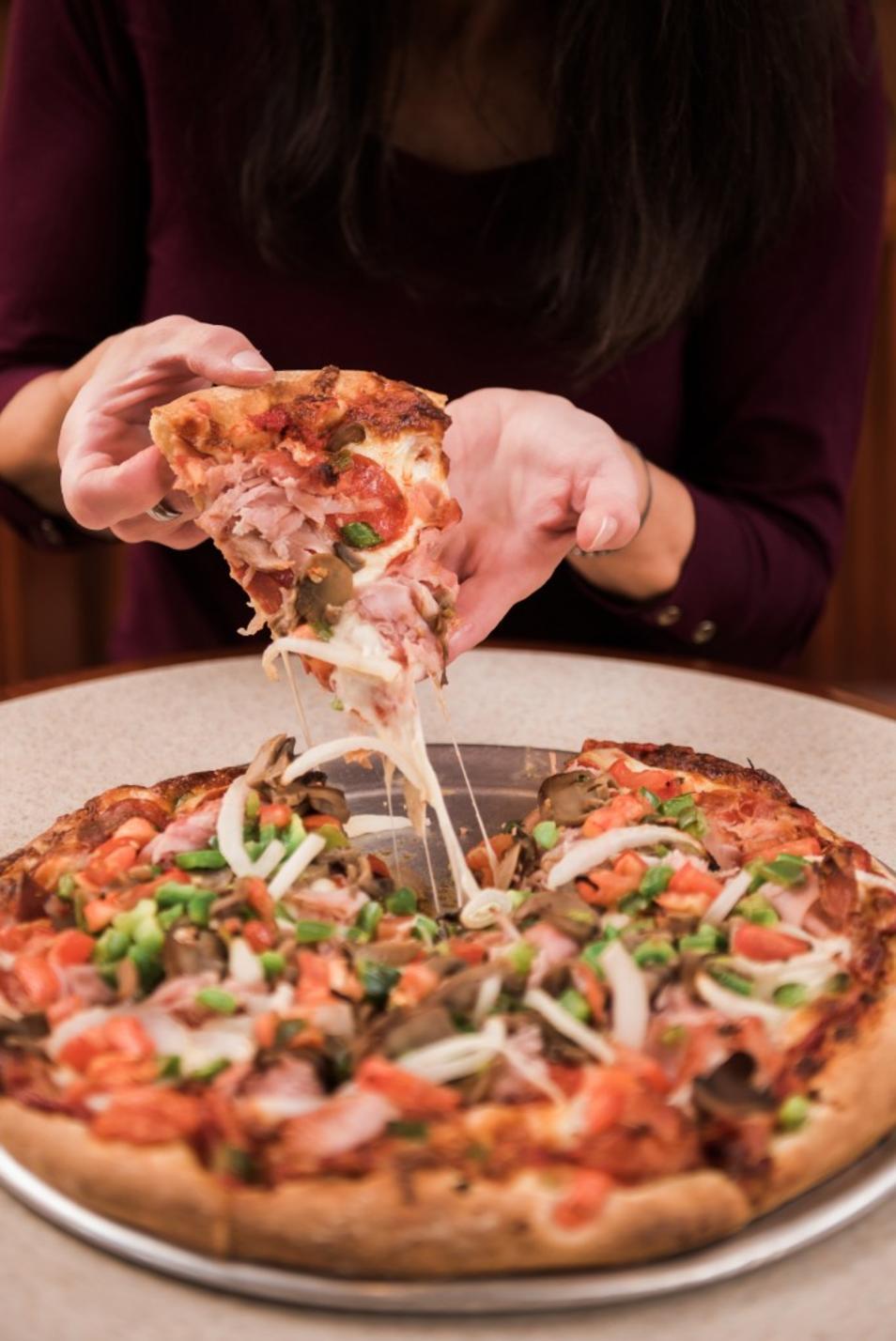DeLuca's Pizza