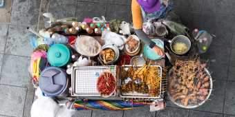 Street-food-food-cart-scaled