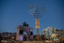 Brooklyn Grand Army Plaza Holiday Menorah Photo Julienne Schaer NYC & Company