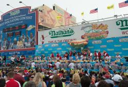 Nathans Hot Dog Eating Contest 2014_Julienne Shaer