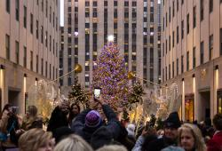 Rockefeller Center Holiday Photo Credit Matthew Penrod NYC & Company