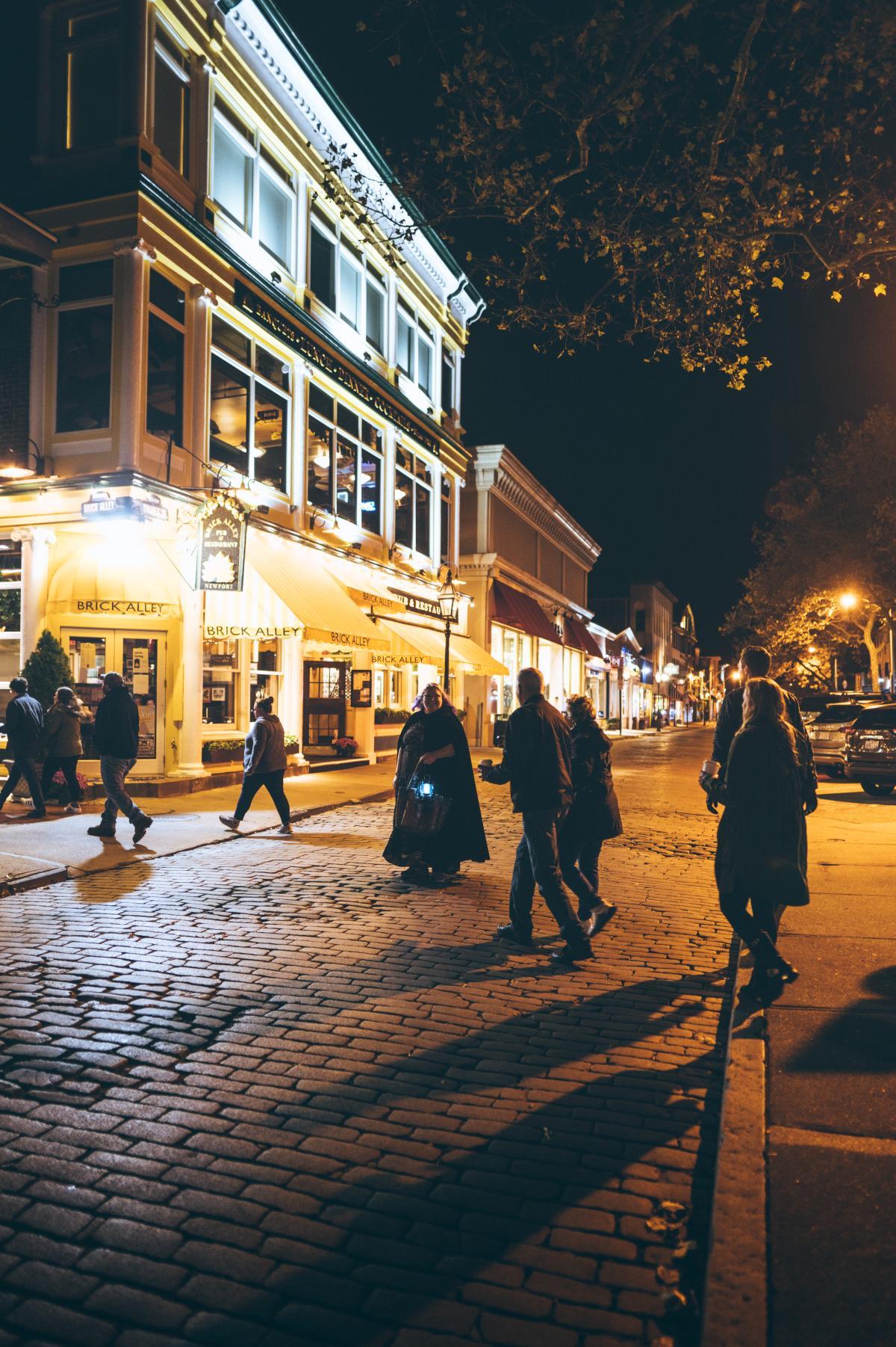 ghost tour thames street