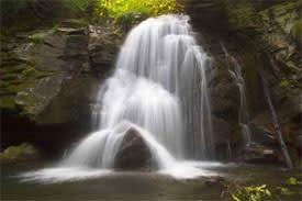 Raven_Cliffs_Falls