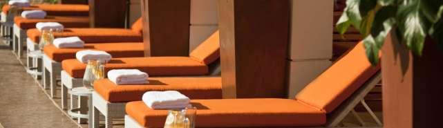 renaissance_palm_springs_hotel_poolside_cabanas_4365__hero