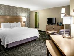 Courtyard by Marriott Columbus Downtown guest room