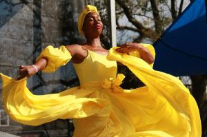 bombazo-dance-yellow