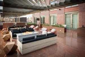 The Elizabeth Hotel Terrace Patio