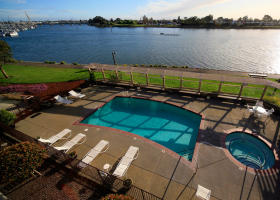 Executive Inn & Suites Pool