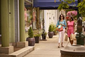 Downtown Carlisle Shopping