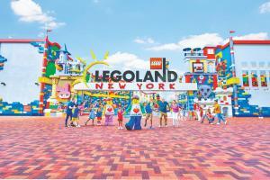LEGOLAND-Development---LLNY-Full-Entrance (1)