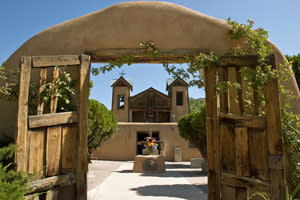 1186-chimayo_church
