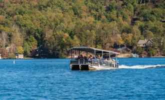 Fall color boat tour on Lake Lure