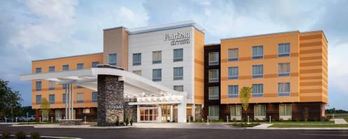 A view of the front of the Fairfield By Marriott, Jeffersonville hotel.