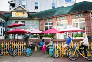 biking manteo cycle downtown