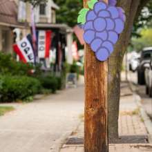 Grape Sign in Downtown Naples