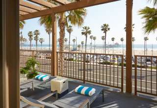 What Makes Huntington Beach Oceanfront Resorts Unique