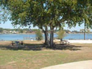 lake_conroe_park
