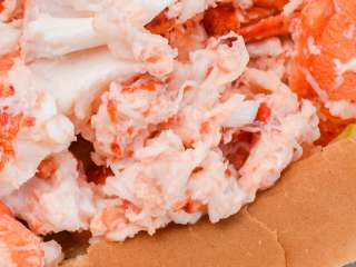 Aunt Carrie's Lobster Roll